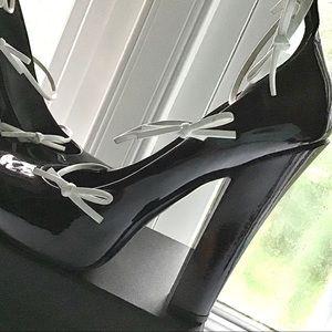 Louis Vuitton Black/White Patent Leather Pumps 8.5